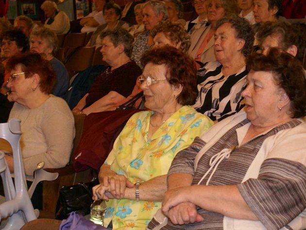 Zdravotně postižení z Borska se sešli v kině na tradičním Jarním setkání.