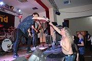 Z rockové tancovačky v Kostelci.