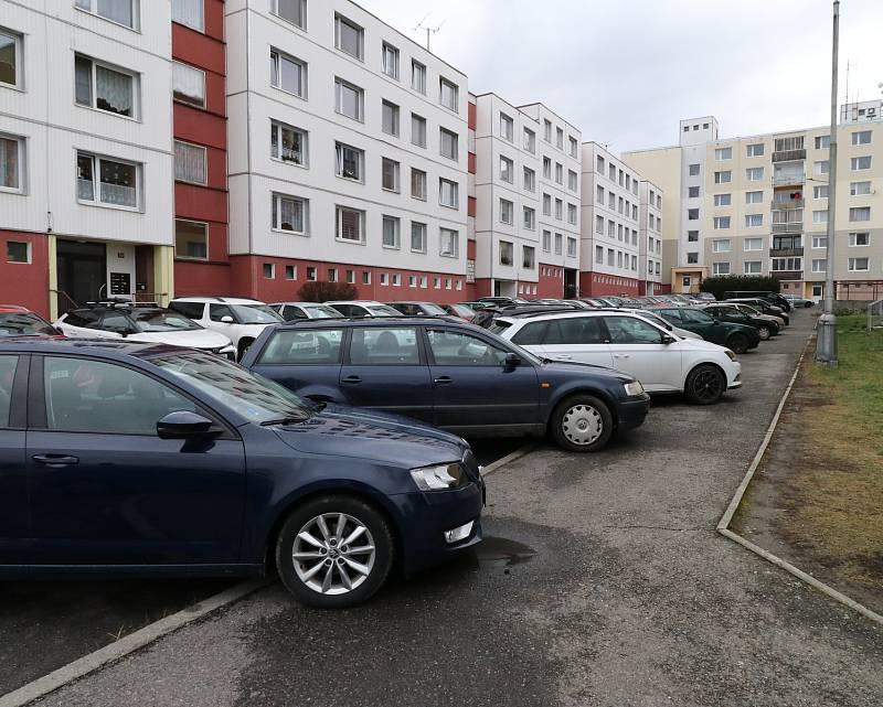 Parkování v Tachově na sídlišti Rapotín