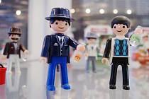 S historií i současností legendární figurky seznámí výstava v tachovském muzeu.