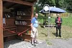 Hostíčkovský unikát: knihovna v zastávce