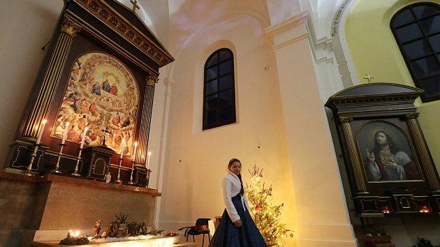 Koncert rekordně zaplnil kostel, zpěvačka lákala anděly