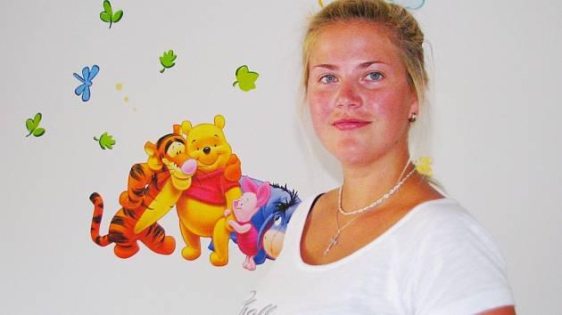 MAMINKA DVOU DĚTÍ Petra Maříková z Plané se stará také o cizí děti v jejich koutku s názvem Matýsek, který vznikl teprve na začátku prázdnin.