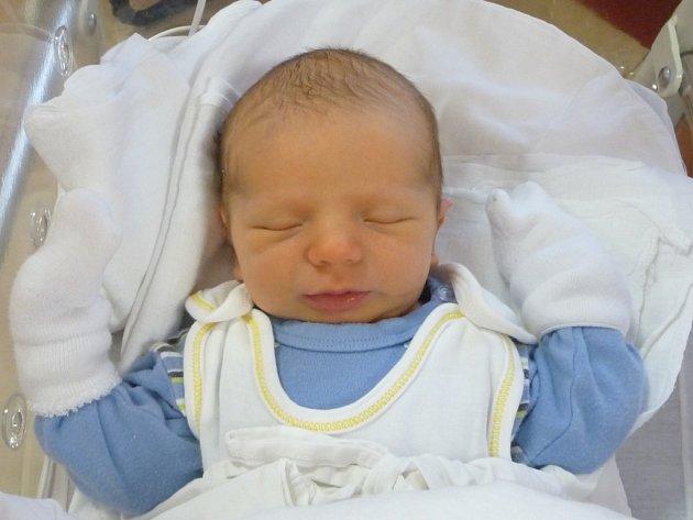 Sebastian (4,15 kg, 55 cm) přišel na svět 18. ledna v 8:36 ve FN v Plzni. Z jeho narození se radují maminka Simona Turková a tatínek Slavimír Kortan z Plané. Doma na brášku již čeká Valentýna (12).