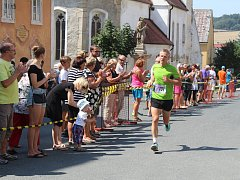 Stříbrští běžci v cíli v Poběžovicích.