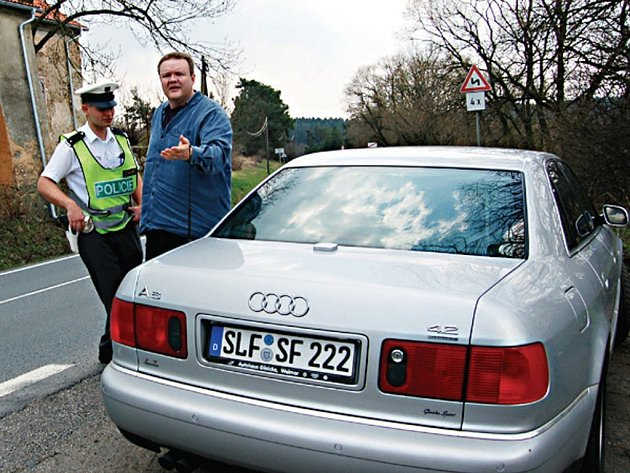 Vymoct od cizinců pokutu za dopravní přestupek? Pokud nedosahuje závratné výše, je to prakticky nemožné.