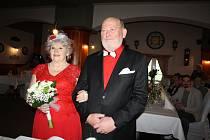 Marie a Stanislav Šedivcovi pozvali rodinu a přátele, aby s nimi oslavili jejich zlatou svatbu.