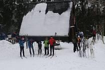 Už dvacet šest let zdolávají turisté na běžkách i pěší trasu z bavorského Silberhütte přes hraniční přechod Křížový kámen do osady Zlatý Potok v Českém lese.