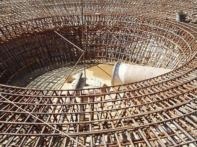 Stavba dosazovací nádrže v čistírně odpadních vod v Tachově.