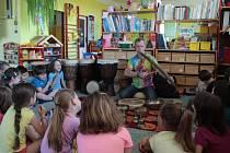 Z představování netradičních nástrojů dětem