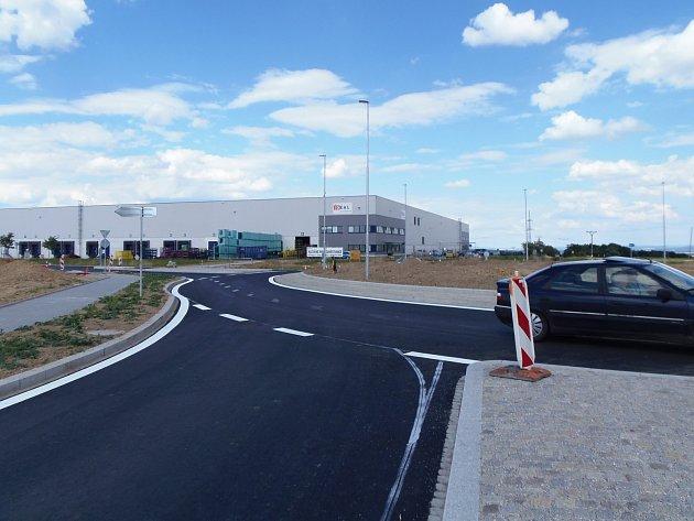 V nové hale firmy Ideal Automotive se výroba už rozjíždí.