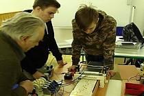 Studenti získali druhé místo v technické olympiádě. Sestrojili Hudebníka.