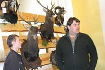 Přes sedm stovek mysliveckých trofejí bylo na výstavě v kulturním domě v Chodském Újezdu.