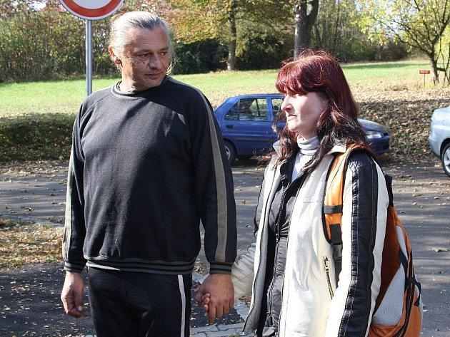 OPĚT SPOLU. Jan Kankrlík se svojí přítelkyní Blankou Fritschovou ve stodské nemocnici