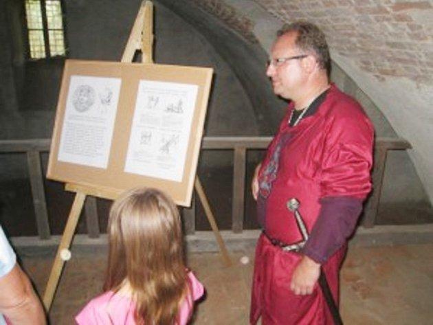 Na zámku Zelená Hora po tři víkendy provázel návštěvníky Libor Marek z Přimdy.