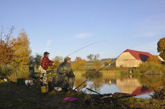 Rybářské závody v Záchlumí