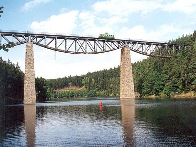 Pňovanský most, včetně vizualizace.