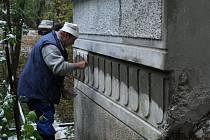 Historický vodárenský objekt renovují v Plané.