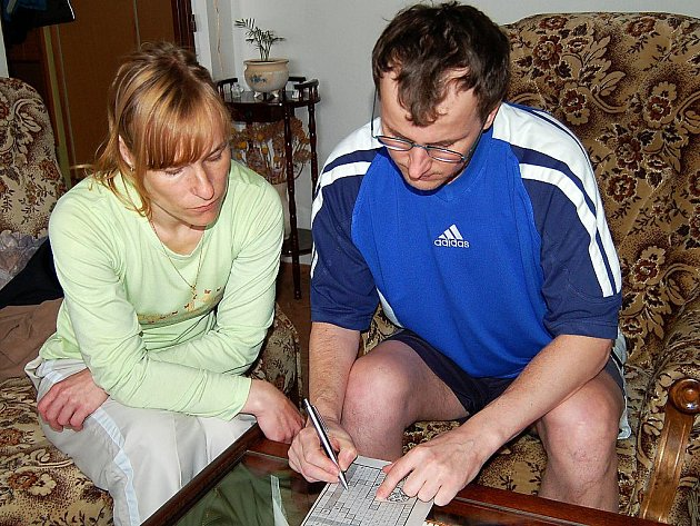 Bohuslav Blažek a jeho manželka Eva (oba na snímku) jsou jednáním tachovského Grammeru pobouřeni.