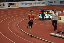 JAKUB DAVIDÍK při únorovém halovém šampionátu v Ostravě.