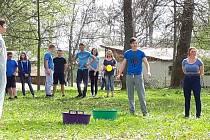 Studenti šestého ročníku tachovského gymnázia se v pátek při Posledním zvoněním loučili se školou.