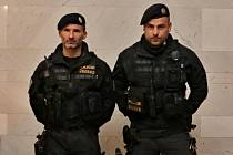 Policisté Marek Melíšek a Milan Špitalský.