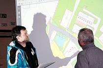 Místní občané se v pondělí vyjadřovali k budoucí podobě bezdružického náměstí