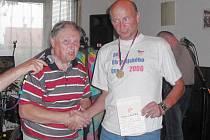 Stříbrský Antonín Lacina oslavil čtyřicet let cyklistické kariéry