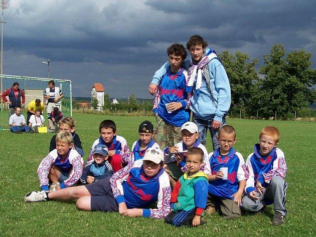 Trpísty hostily  třetí ročník turnaje v malé kopané, kterého se zúčastnilo čtrnáct družstev.