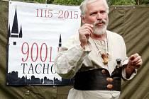 Principál divadelního souboru Komedyjanti Miroslav Jarý při představení, které zvalo na tachovské slavnosti.