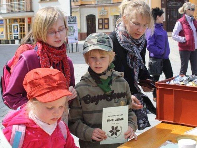 V sobotu se uskutečnila v Tachově na náměstí oslava Dne Země.