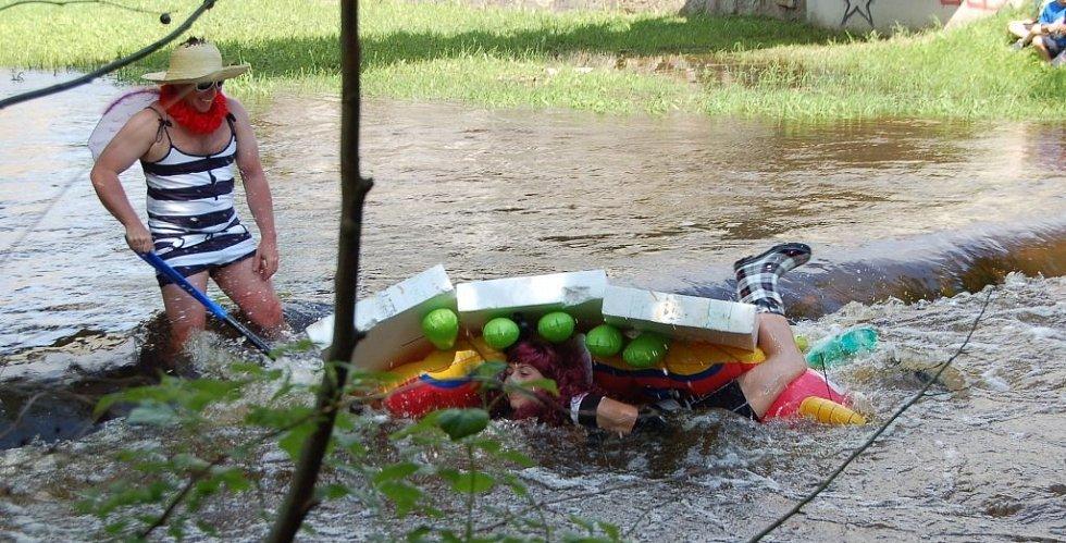 Netradiční plavidla na Mži v Tachově