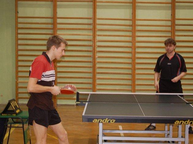 Borská sokolovna byla dějištěm zápasů o první místo v divizi stolního tenisu mužů
