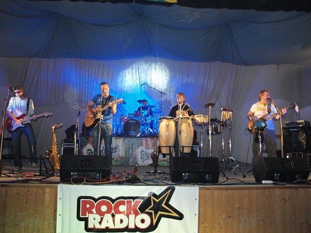 Šrapnel nabídl tři kapely.