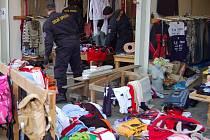Desítky stánků na tržnici ve Svaté Kateřině na Tachovsku kontrolovali v úterý 12. února odpoledne a večer příslušníci Celní správy