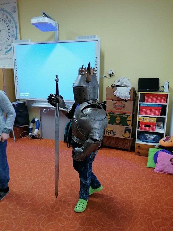 Se Středověkem se seznámily děti ze Základní školy Záchlumí