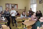 Studenti ze čtyř zemí vyučují ve Stříbře