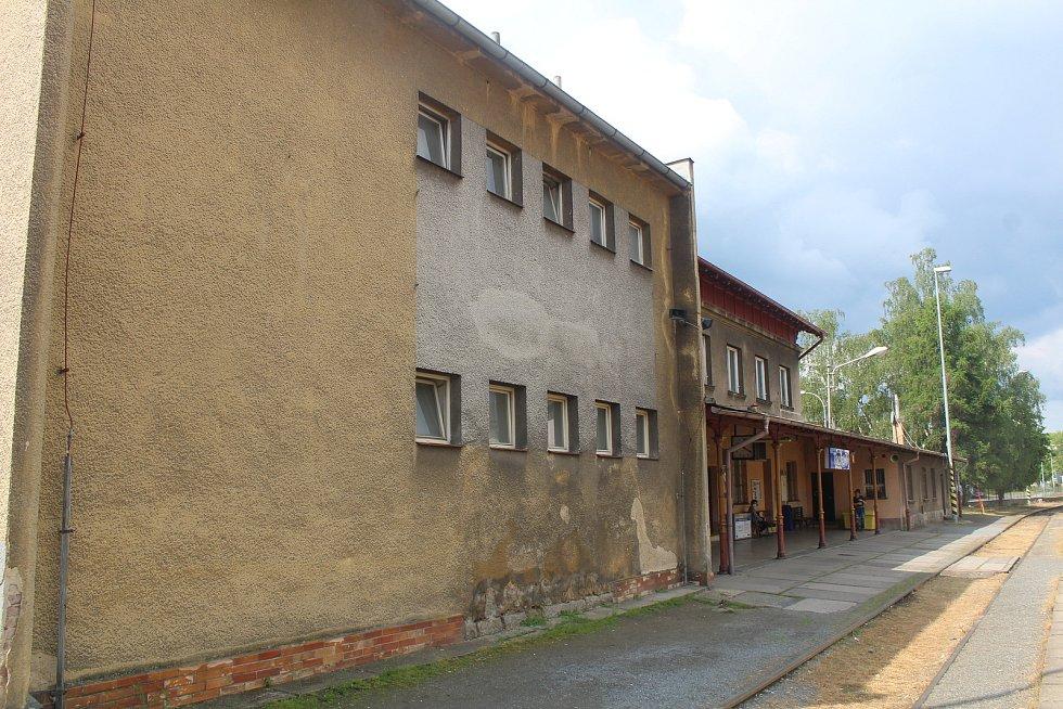 Nádražní budova v Tachově se bude rekonstruovat, stavba potrvá dva roky.