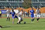 FK Tachov (v modrém) vs. MFK Dobříš 0:1.