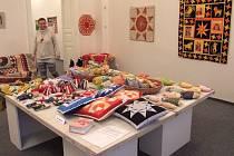 Obrazy s motivem Tachova, knihy od autorů z Tachova a rukodělné výrobky mohou návštěvníci v městské galerii v Tachově vidět až do 11. ledna.