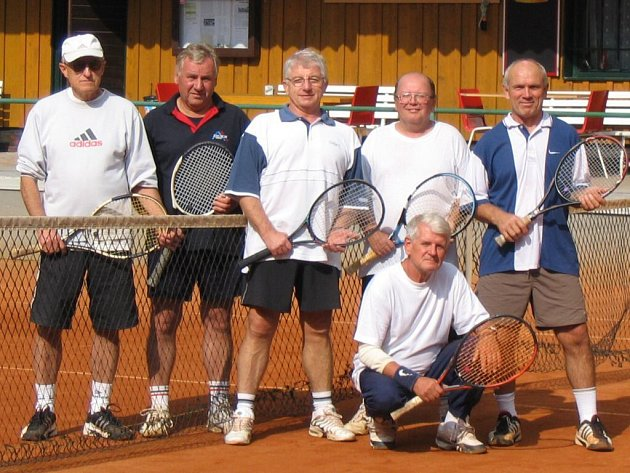 Tenis: Na kurtech Slavoje Tachov se hrál už 15. ročník tenisového turnaje staré gardy