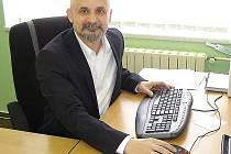 MILAN DEREDIMOS, ředitel gymnázia ve Stříbře.