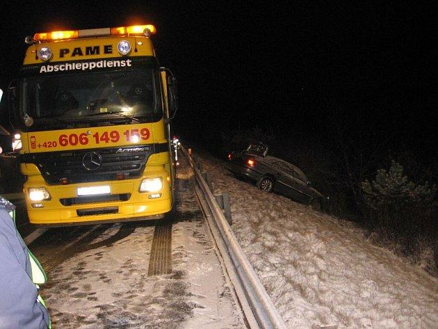 Nehoda zastavila provoz na dálnici