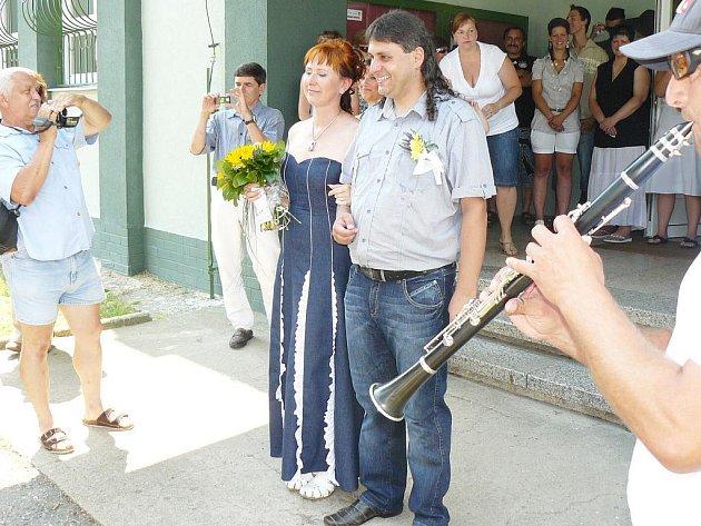 Studánka o svátcích ožila historicky první svatbou.