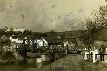PŮVODNÍ MOST přes řeku Mži v Milíkově.