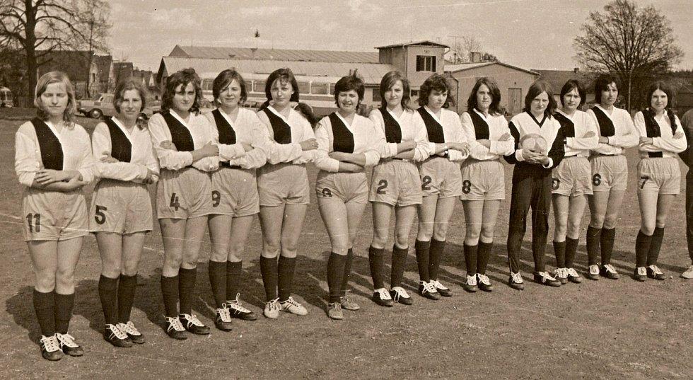 V roce 1972 byl v částkovské sportovní jednotě založen fotbalový tým žen.