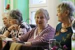 Je to naše radost, říkají důchodci a pravidelně hrají karty