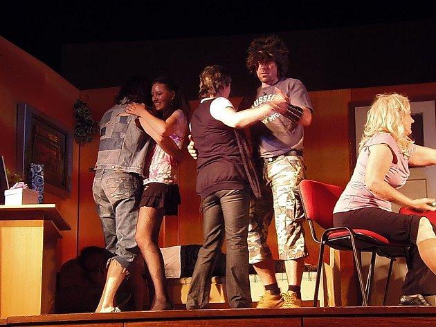 Divadelníci z Kolovče zahráli ve Slávii