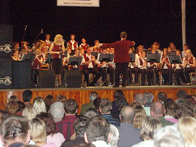 Koncert Dechového orchestru mladých Juvenka (na snímku).