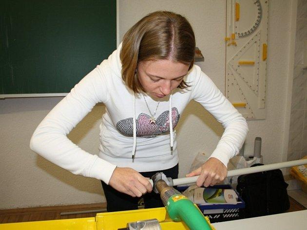 JEDNOU ZE STUDENTEK střední průmyslovky, která v pátek získala certifikát, byla i Natálie Pirogová.